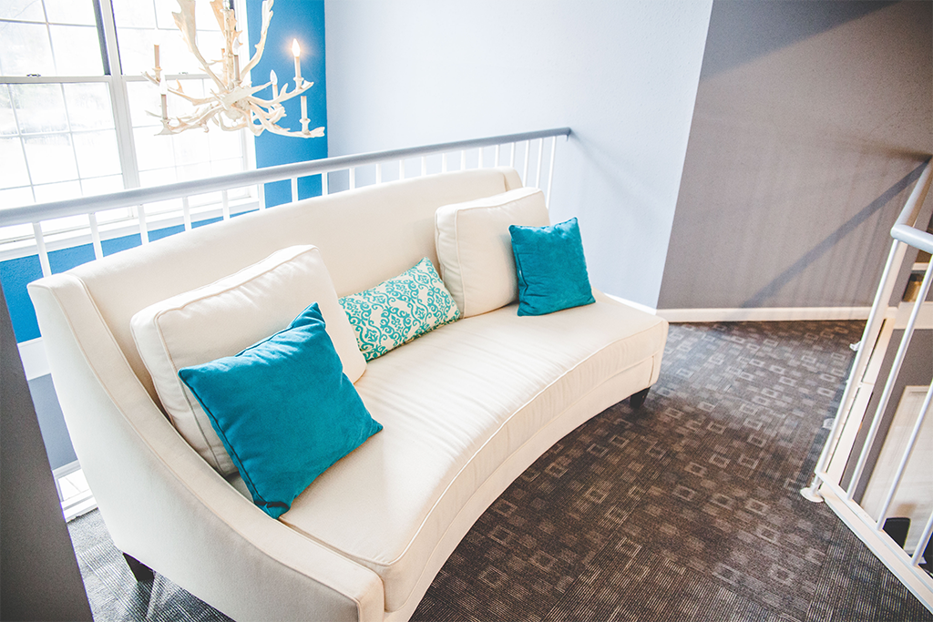 How to Protect a White Leather Sofa from Damage and Stains ...