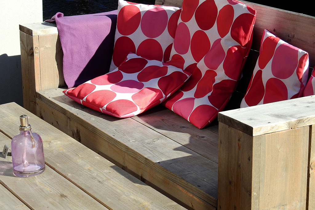 Outdoor Upholstery Care How To Clean Patio Furniture Cushions And