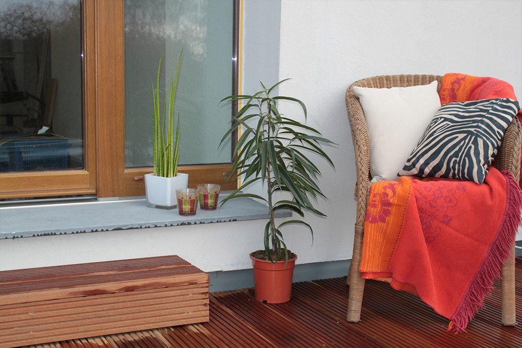 Outdoor upholstery maintenance